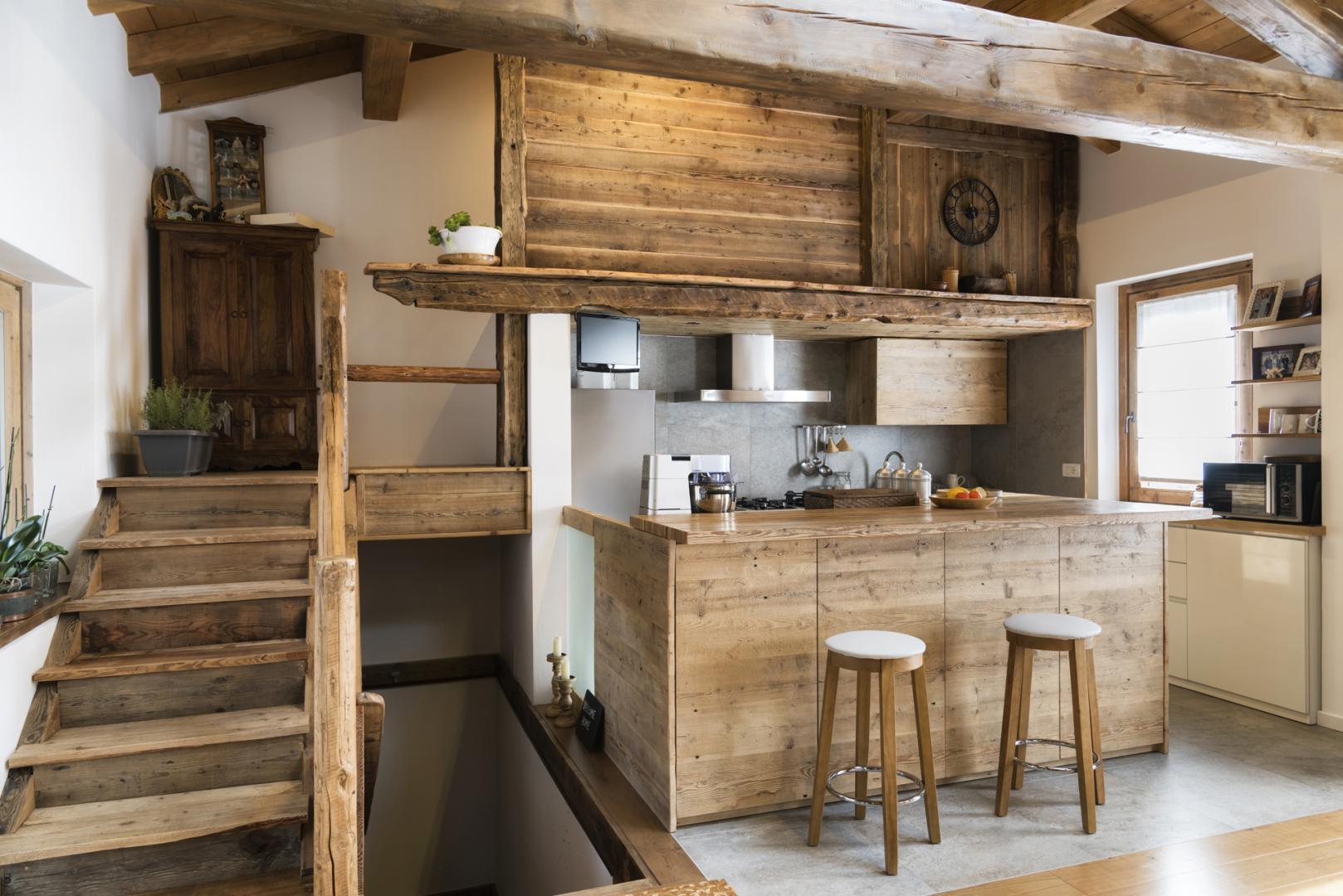 cuisines sur mesure avec la menuiserie en bois